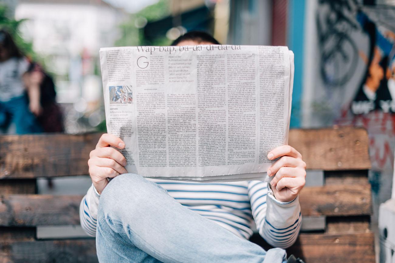 Escritores escribiendo columnas de opinión. ¿Qué aportan?